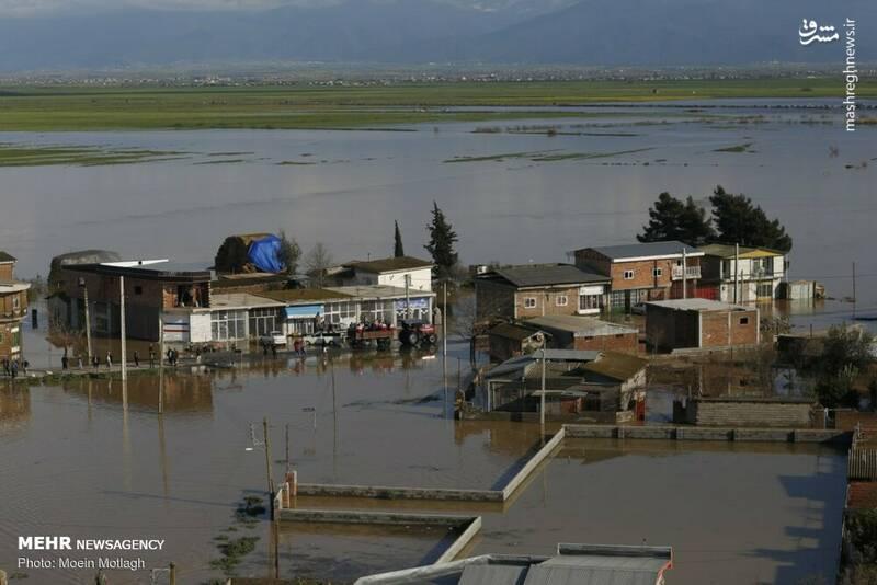 برق این مناطق قطع و از دیشب، جابجایی و اسکان موقت مردم درحال اجرا است.