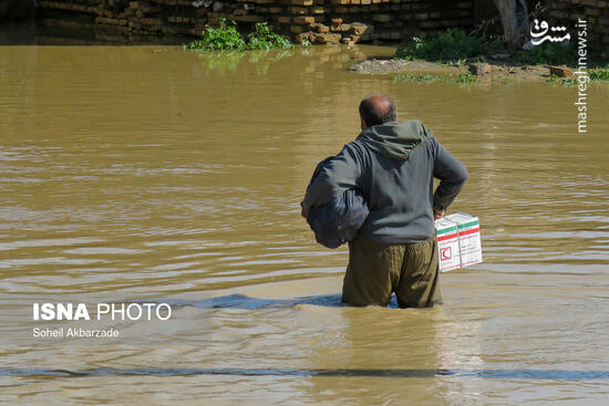 عکس/ امدادرسانی هلالاحمر به سیل زدگان