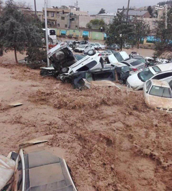 خودرو های حادثه دیده در سیل شیراز
