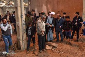 حضور نماینده رهبر انقلاب در مناطق سیل زده +عکس