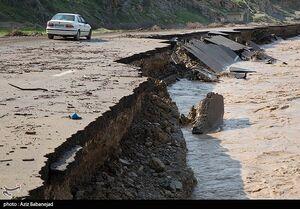 عکس/ خسارات سیل به جاده خرم آباد
