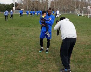 عکس/ سلفی منشا با پسرش