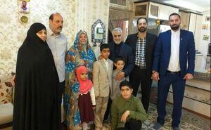 دیدار سردار سلیمانی با خانواده شهدای مدافع حرم