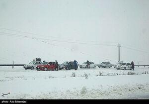تمام جادههای کشور امروز درگیر برف و باران میشود