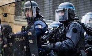 حمله پلیس فرانسه به معترضان پاریسی با گاز اشکآور