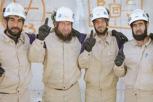 انتقال بشکههای مواد سمی به شمال حماه توسط تروریستهای کلاه سفید