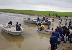 عکس/ ساخت ۱۷ پل خاکی برای پایان محاصره سیل در گمیشان