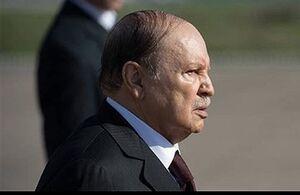 رئیس جمهوری الجزائر رسما از قدرت کنارهگیری کرد