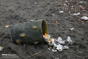 عکس/ یادگاری تلخ مسافران نوروزی در سواحل آستارا