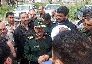 گفتوگوی فرمانده سپاه با سیلزدگان لرستان +عکس و فیلم