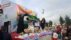 جشن عقد جوانان شیعه و سنی در منطقه سیل زده +عکس