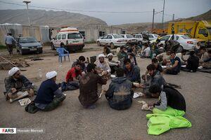 امام جمعهای که تا خط مقدم آمد +عکس