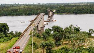 عکس/ برخورد کشتی با پل در برزیل