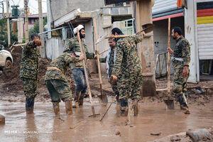 نیروهای خدمات رسان در مناطق سیل زده لرستان