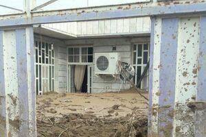 عکس/ میزان گل باقیمانده در خانههای سیلزده معمولان