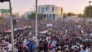اعتراضات در سودان وارد چهارمین ماه شد/ تظاهرات متفاوت مردم  در مقابل ساختمانهای وزارت دفاع و ستاد کل ارتش + نقشه میدانی و عکس