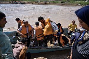 عکس/ امدادرسانی تکاوران ارتش به روستای «چم مهر»