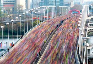 تصویری جالب از مسابقه دو ماراتن