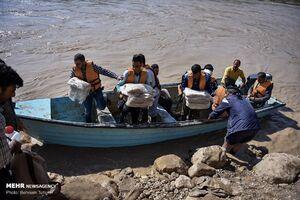 امدادرسانی تکاوران ارتش به روستای «چم مهر»