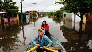 جاری شدن سیل در پاراگوئه