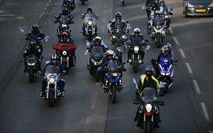 عکس/ رقیب نتانیاهو با موتورسیکلت به دنبال رأی!