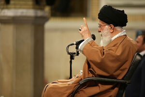 فیلم/ رهبر انقلاب: ملت ایران توی دهن دشمنان زد