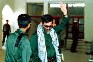 عکس/ آیتالله خامنهای در لباس سپاه پاسداران