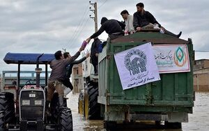 فیلم/ خدمات آستان قدس رضوی در مناطق سیل زده