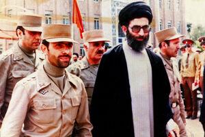 تصاویری از شهید صیاد شیرازی در کنار حضرت آیتالله خامنهای