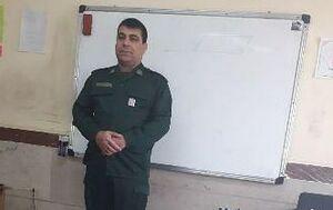 عکس/حضور معلم با لباس پاسداری در کلاس درس