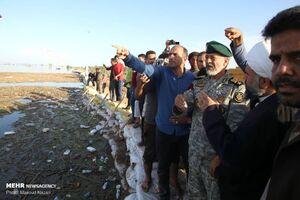 بازدید امیر سیاری و امیر حاتمی از مناطق درگیر سیل در خوزستان
