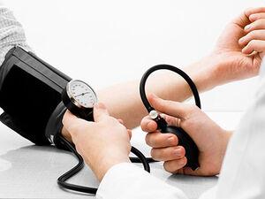 ۱۵ عامل غیرقابل انتظاری که فشارخونتان را بالا میبرند
