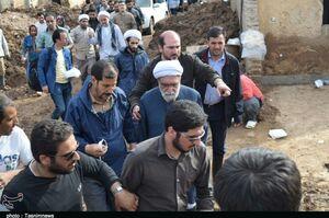 عکس/ تولیت آستان قدس در مناطق سیلزده لرستان