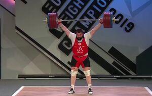 فیلم/ وزنهبردار گرجستانی رکورد سنگین وزن جهان را شکست