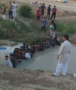 سیل بند انسانی جوانان خوزستانی +عکس