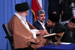 عکس/ دیدار شرکت کنندگان مسابقات قرآن با رهبرانقلاب