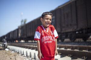 نامه و هدیه کودک اردبیلی برای یک کودک سیلزده +عکس