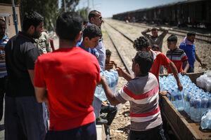 زندگی سیل زدگان در واگنهای قطار