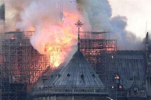 فیلم/ آتش سوزی در کلیسای900 ساله نوتردام