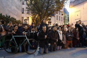 چهره بهت زده مردم پاریس