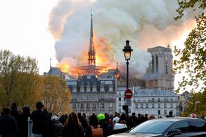 اوج امکانات در آتشسوزی نوتردام پاریس +عکس