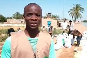 فیلم/ امدادرسانی جوان آفریقایی در خوزستان