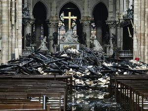 قضیه حملات به کلیسا و مساجد چیست؟