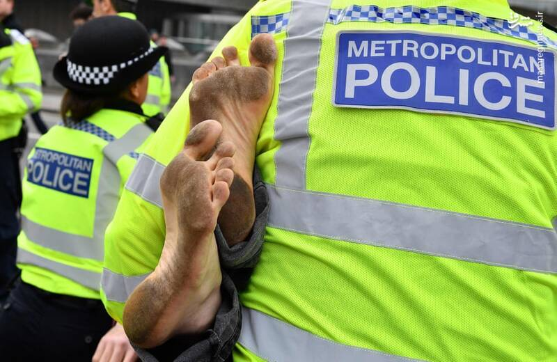 عکس/ بازداشت بیش از ۱۲۰ فعال محیط زیست در لندن - 7