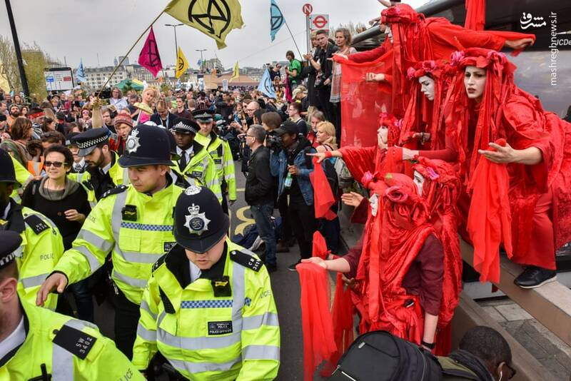 عکس/ بازداشت بیش از ۱۲۰ فعال محیط زیست در لندن - 14