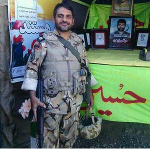 تصویر سرهنگ فداکار، محمد حقیقی که توسط مقام معظم رهبری مورد تقدیر قرار گرفت
