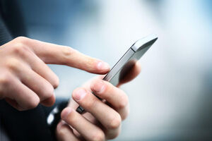 5 دلیل دور نگه داشتن موبایل از خود
