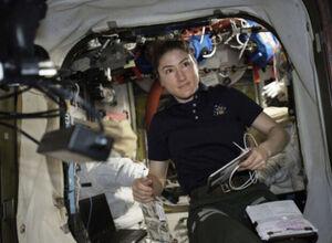 یک زن به دنبال رکورد اقامت در فضا