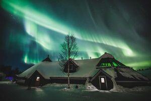 تصویر زیبا از شفق قطبی در آسمان فنلاند