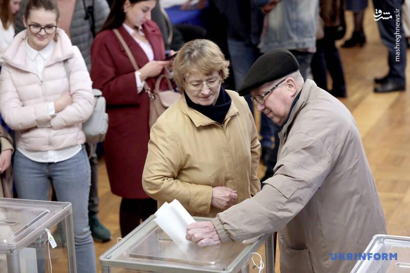 عکس/ پیروزی زلنسکی در انتخابات اوکراین - 6